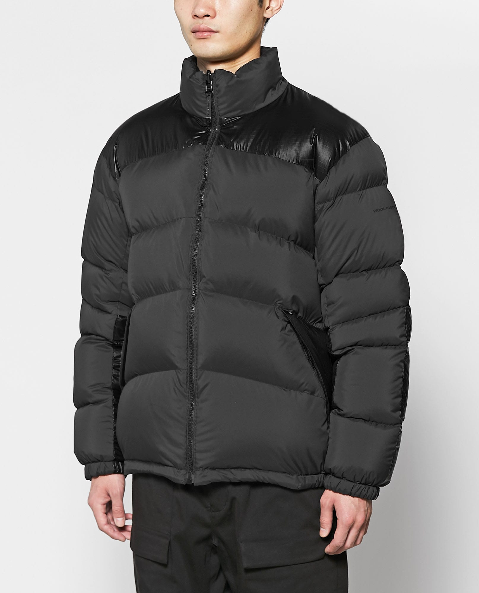 REVERSIBLE MUFFLE DOWN JACKET